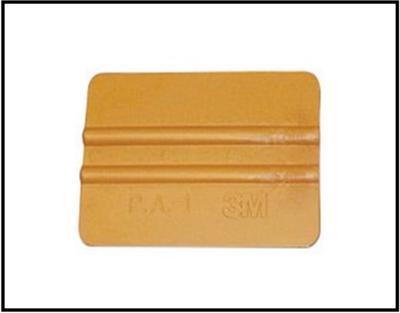 Plastová zlatá stěrka 3M